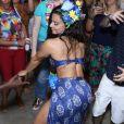 Viviane Araújo dança funk e rebola até o chão em festa de aniversário