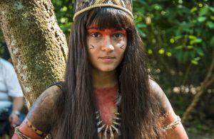 Giullia Buscacio usa adesivo nos seios com índia em 'Novo Mundo': 'À vontade'
