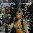 Rainha de bateria da Beija-Flor de Nilópolis, Raíssa Oliveira desfilou de biquíni