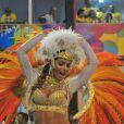 Carla Prata exibiu um corpo perfeito ao desfilar como musa da Vila Isabel, no Rio de Janeiro