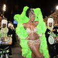 Chris Vianna exibiu boa forma como rainha de bateria da Imperatriz Leopoldinense, que desfilou nesta segunda-feira (3), na Marquês de Sapucaí