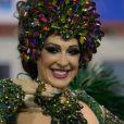 Claudia Raia desfilou pela Beija-Flor, que fez uma homenagem a Boni, com uma fantasia que leva o nome da escola