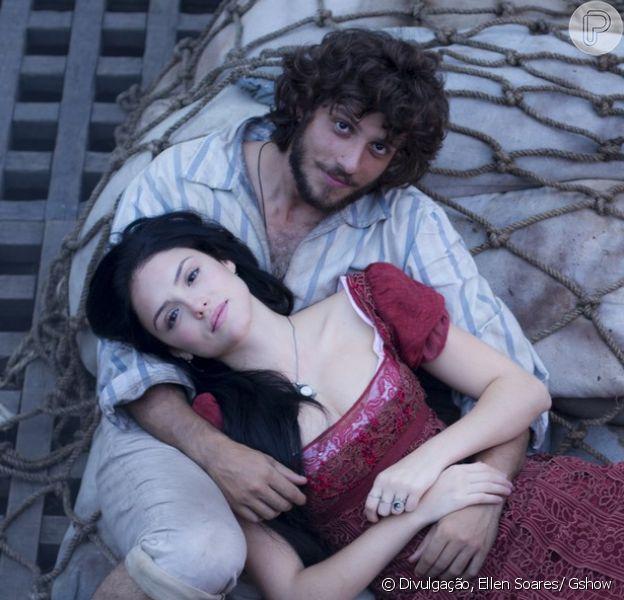 Joaquim (Chay Suede) e Anna (Isabelle Drummond) se entregam à paixão e têm sua primeira noite de amor, na novela 'Novo Mundo', a partir de 12 de abril de 2017