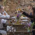 Eugênio (Dan Stulbach) é flagarado em restaurante com Irene (Débora Falabella) por Ivana (Carol Duarte), na novela 'A Força do Querer'