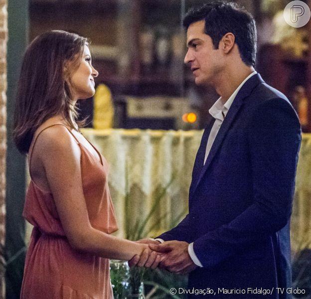 Luiza (Camila Queiroz) e Eric (Mateus Solano) são o casal protagonista da novela 'Pega Ladrão', que estreia em junho de 2017