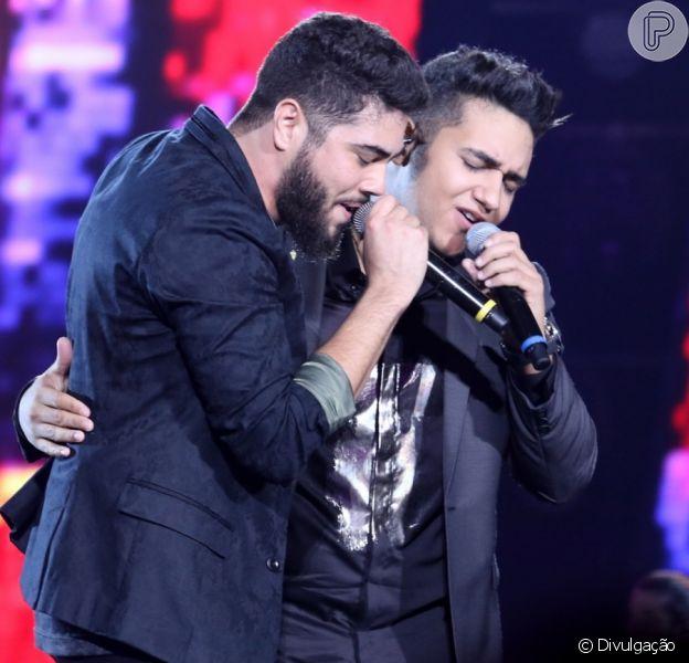 A dupla Henrique e Juliano sofreu um acidente de carro enquanto ia para show em São Paulo, na última quinta, 6 de abril de 2017