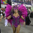 Susana Vieira, rainha da Grande Rio, entrou na Marquês de Sapucaí bastante empolgada. O desfile fez uma homenagem à cidade de Maricá, no Rio (2 de março de 2014)