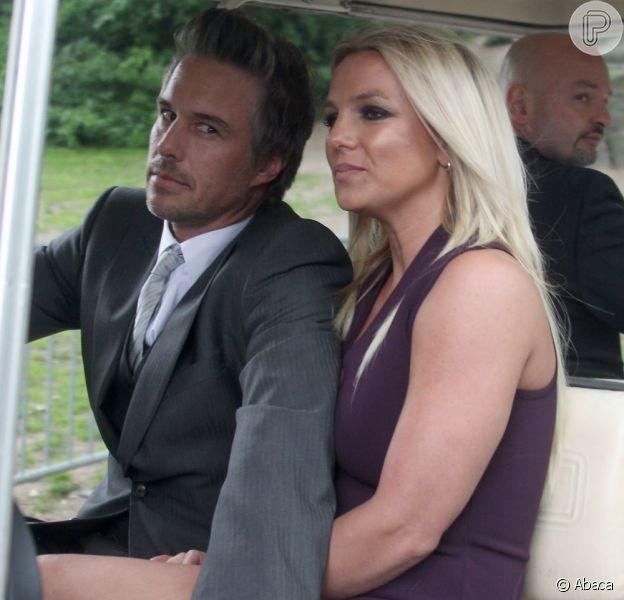 Britney Spears e Jason Trawick romperam noivado, e tudo foi arquitetado pelo seu pai, Jamie, e seu ex-noivo, segundo informações divulgadas nesta terça-feira, 15 de janeiro de 2013