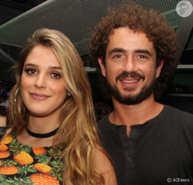 Rafa Brites e Felipe Andreoli exibiram pela primeira vez foto do filho, Rocco. 'Preservar não foi a melhor escolha', disse a repórter