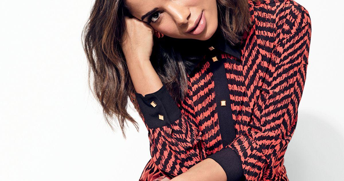 1ec530d2e Anitta coloca roupas de shows e itens exclusivos à venda em loja virtual -  Purepeople