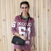 Thaila Ayala comemora aniversário com maiô cavado no festival Coachella. Foto!