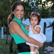 Deborah Secco filma filha, Maria Flor, de 1 ano, falando numerais: 'Babo'. Vídeo