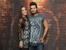 Luan Santana e Emilly, do 'BBB17', dançam coladinhos em show do cantor. Vídeos!