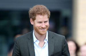 Príncipe Harry buscou ajuda em terapia em romance com Meghan Markle: 'Esforço'