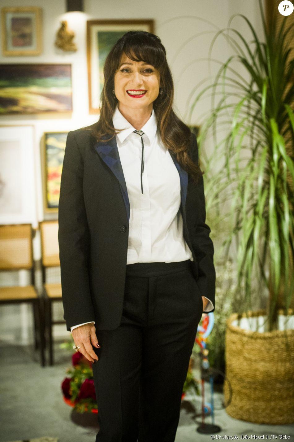 Zezé Polessa interpreta a Edinalva na novela 'A Força do Querer'