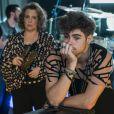Léo (Rafael Vitti) decide esconder de Néia (Ana Beatriz Nogueira) o que descobriu sobre seu pai, no capítulo que vai ao ar terça-feira, dia 02 de maio de 2017, na novela 'Rock Story'
