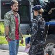 Jeiza (Paolla Oliveira) fica comovida quando vê que Zeca (Marco Pigossi) levou tiro para protegê-la, na novela 'A Força do Querer'