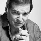 Morre Jerry Adriani, ícone da Jovem Guarda, aos 70 anos, vítima de câncer