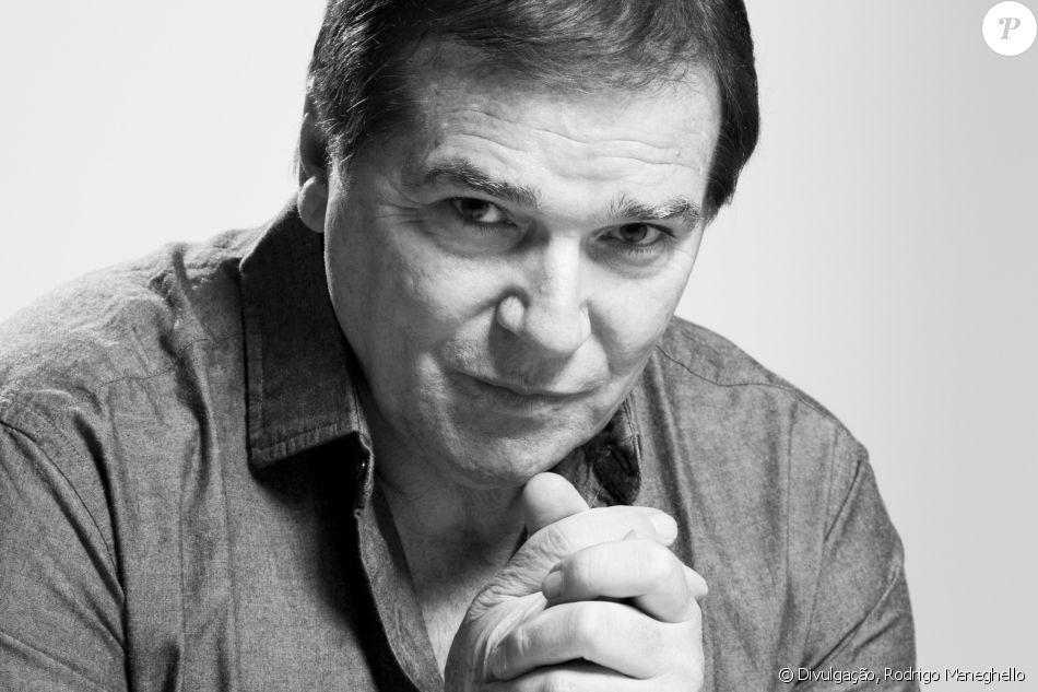Jerry Adriani morreu de câncer, neste domingo, 23 de abril de 2017, aos 70 anos