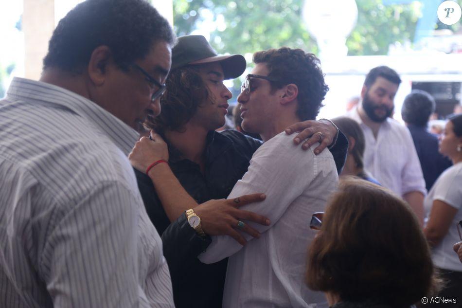 Pablo Morais chega ao velório de Jerry Adriani, morto aos 70 anos, de câncer