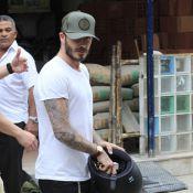 David Beckham grava comercial de moto em Ipanema e atrai atenção de curiosos