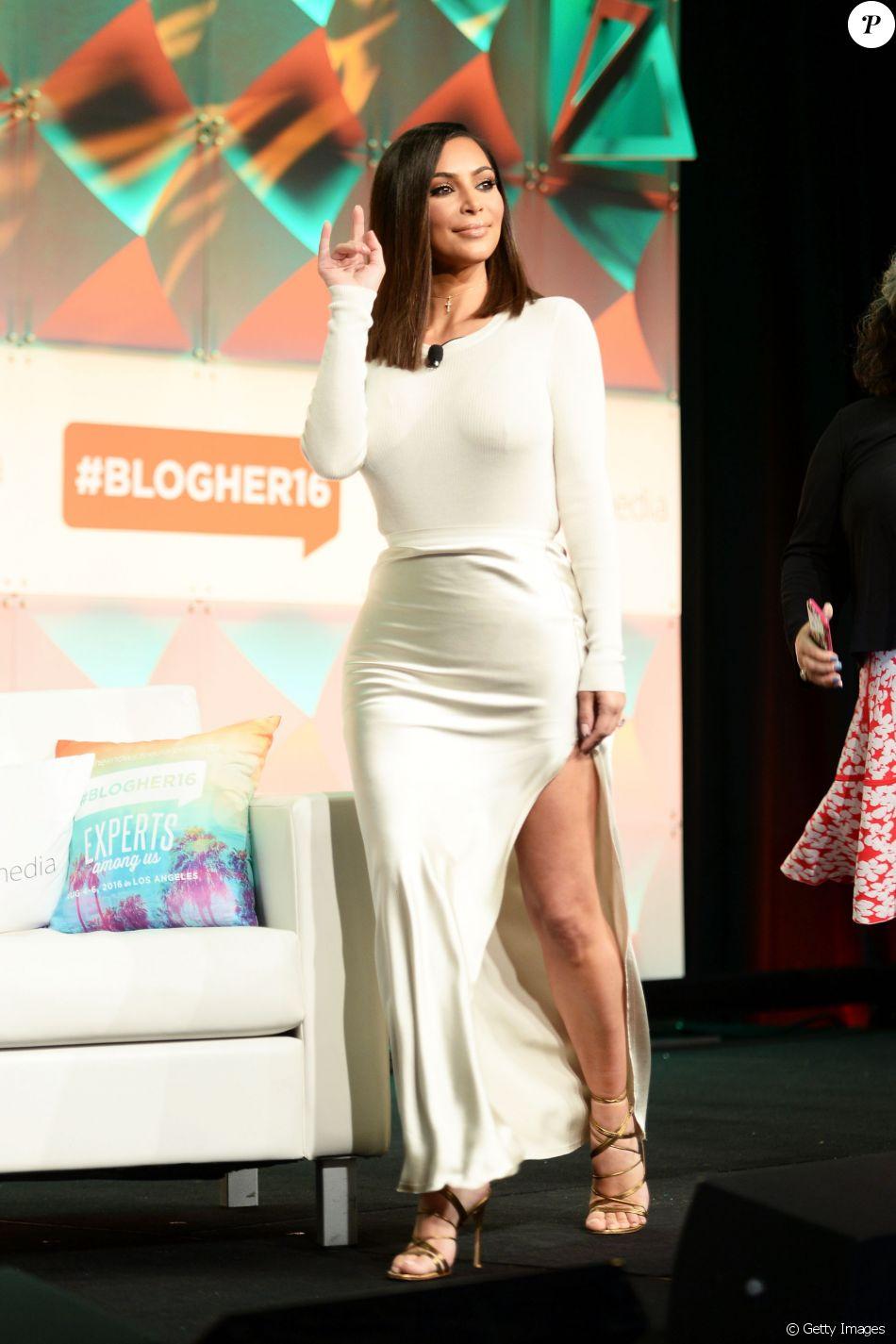 a9a540301 Kim Kardashian respondeu os haters ousando em look de praia - Purepeople