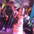 Ludmilla comemora aniversário de 22 anos na companhia de amigos no salão de festas  Versatilly, em  Curicica, no Rio de Janeiro, na noite desta quarta-feira, 26 de fevereiro de 2017