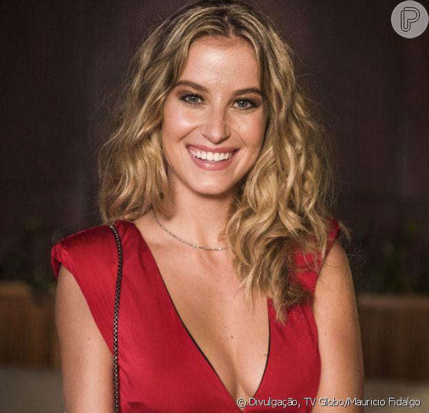 Bárbara (Barbara França) anuncia gravidez para a família no último capítulo de 'Malhação - Pro Dia Nascer Feliz'