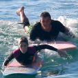 Isabella Santoni tem feito aulas de surfe