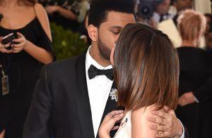 Selena Gomez ganha beijo do namorado, The Weeknd, no MET Gala. Veja fotos!