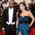 Kim Kardashian apostou em modelo da grife Lanvin em 2014