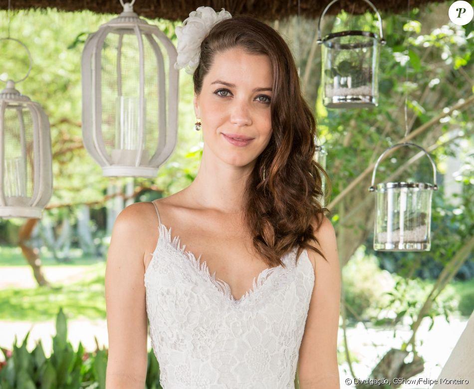 Julia (Nathalia Dill) dispensará véu e grinalda e usará uma flor no cabelo em seu casamento com Gui (Vladimir Brichta) em 'Rock Story'