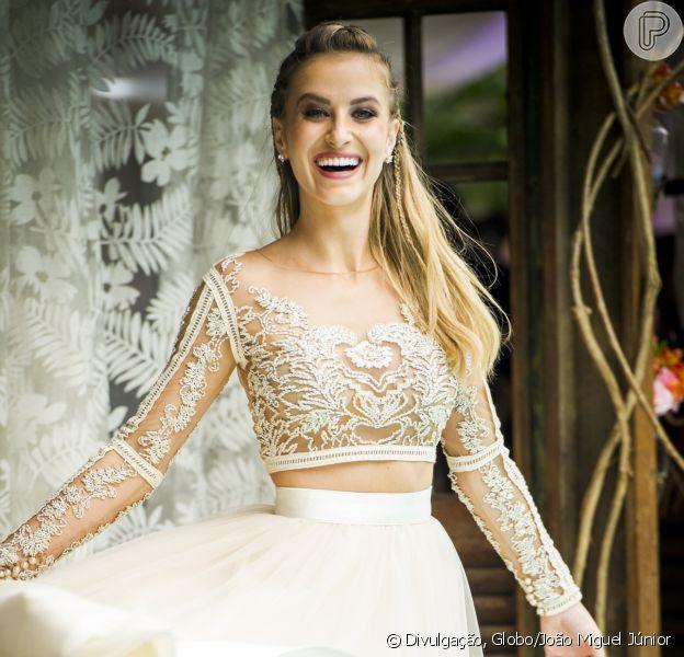 Barbara França falou do sucesso do seu vestido de noiva em 'Malhação' nesta quinta-feira, 4 de maio de 2017
