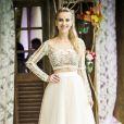 'Eu amei! Fez tanto sucesso nas redes sociais que eu estou até agora recebendo mensagens', disse Barbara França sobre vestido de noiva