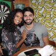 Aline Dias e o namorado, Rodrigo Cupello, estão morando uma nova casa