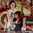 Clara (Giovanna Antonelli) e Marina (Tainá Müller) sofrem ao ter que 'dar um tempo', na novela 'Em Família'