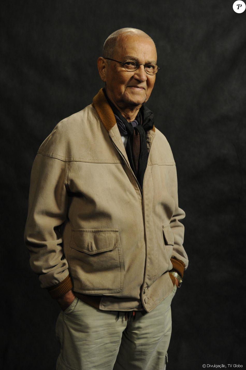 Nelson Xavier morreu aos 75 anos, em Uberlândia, em 9 de maio de 2017