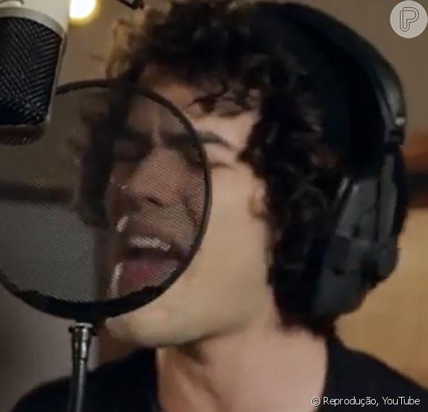 Sam Alves lança clipe com a canção 'Counting Stars' em 11 de março de 2014