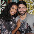 'Não estamos focados nisso', disse Aline Dias sobre casamento com Rafael Cupello