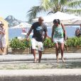 Anderson Silva passa a tarde com a família no Rio de Janeiro