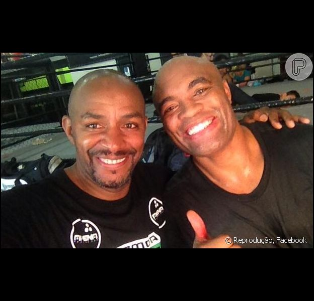 Anderson Silva volta ao Rio e treina boxe