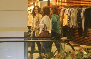 Fátima Bernardes faz compras e passeia com amigas em shopping do Rio. Fotos!