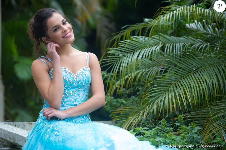 Resumo da fabula o vestido azul
