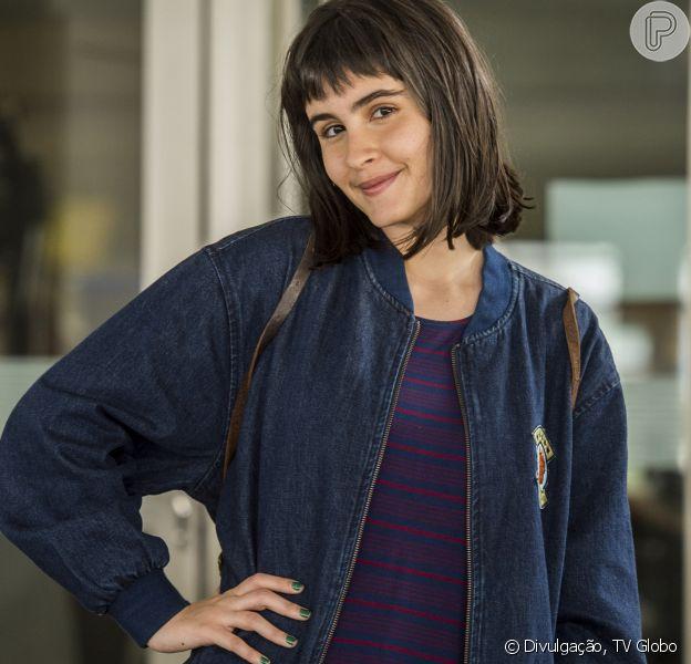 Valentina Herszage adotou franja para viver uma personagem de 15 anos na novela 'Pega Pega'