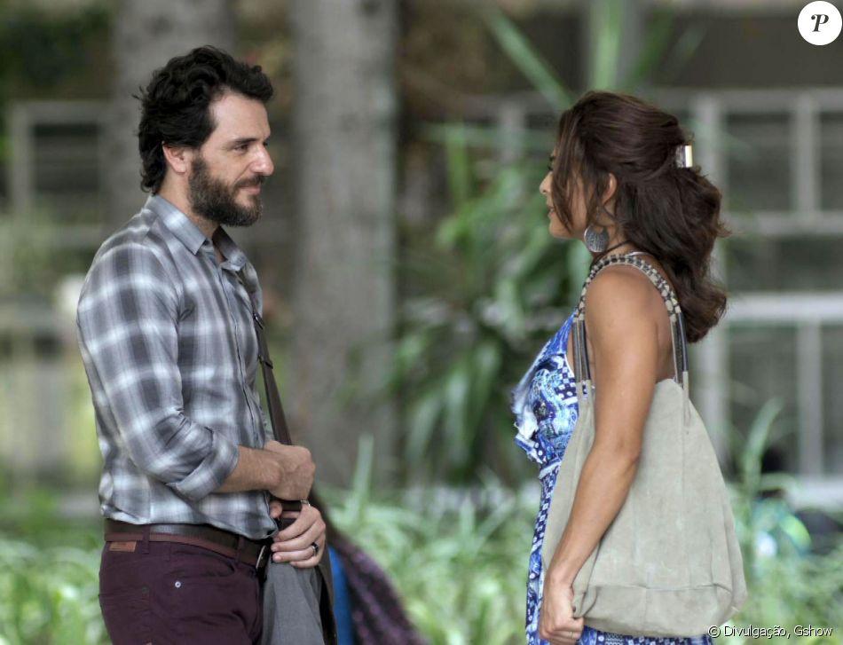Bibi (Juliana Paes) passa por cima do orgulho próprio e pede que Caio (Rodrigo Lombardi) aceite ser advogado de defesa de Rubinho (Emílio Dantas), na novela 'A Força do Querer', em 13 de junho de 2017