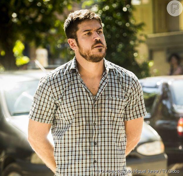 Zeca (Marco Pigossi) desiste de se divorciar de Ritinha (Isis Valverde) e avisa que vai pedir anulação do casamento e uma indenização da ex, na novela 'A Força do Querer', a parti de 12 de junho de 2017