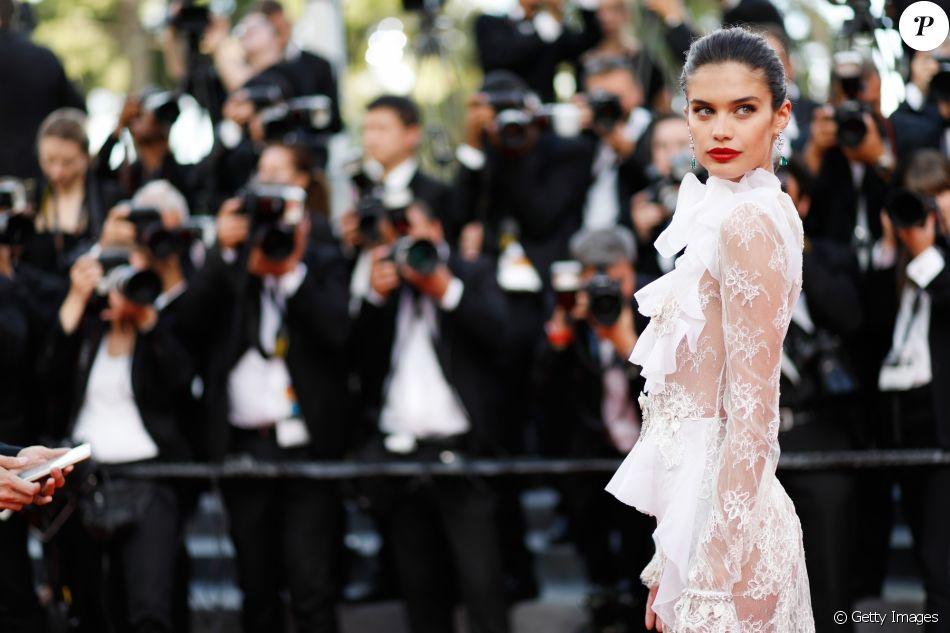 'Estou apaixonada por esse vestido', afirmou Sara Sampaio no Instagram