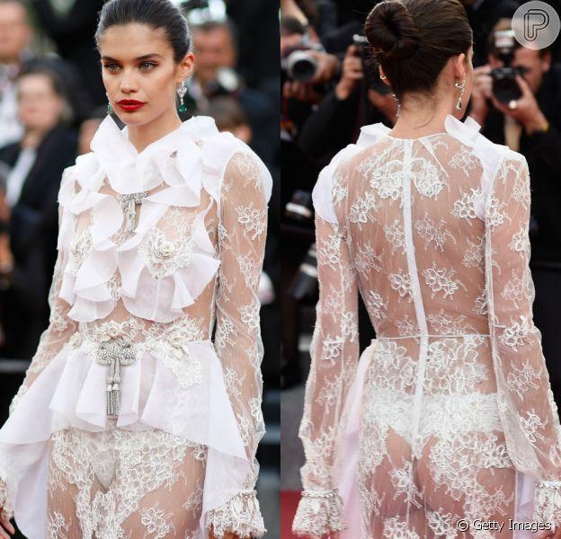 A modelo Sara Sampaio ousou com um fio-dental no Festival de Cannes, na França, na última segunda-feira, 22 de maio de 2017