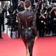 O modelito transparente evidenciou a silhueta em forma de Irina Shayk