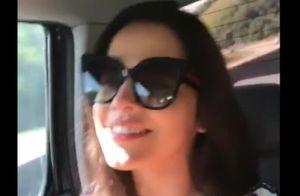 Emilly e a gêmea, Mayla, ex-BBBs, se divertem cantando sertanejo em carro. Vídeo